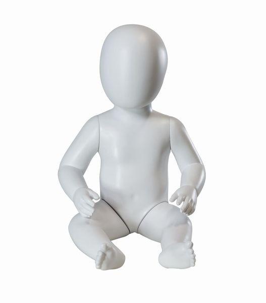 Babyfigur sitzend, weiß/lichtgrau